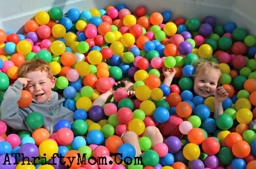 How to make your own ball pit, Turn an old hot tub into your very own BALL PIT for kids #Kids, #Play, #BallPit  ,