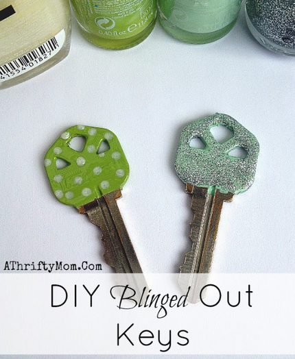 DIY blinged out keys, quick and easy craft perfect for teen girls, or just to have fun #DIY, #Hacks, #Keys,  #Crafts