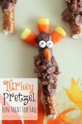Turkey Pretzel  and fast and easy treat for fall or Thanksgiving, Party Recipes for kids, Snack Ideas for Fall