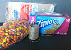 Fall Corn Snack, #reesespieces, #fall, #corn, #paperbags, #twine, #ziploc, #thanksgiving, #halloween, #crafts, #easycrafts, #thrifty, #thriftycrafts